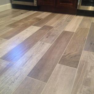 Wetbar tile floor